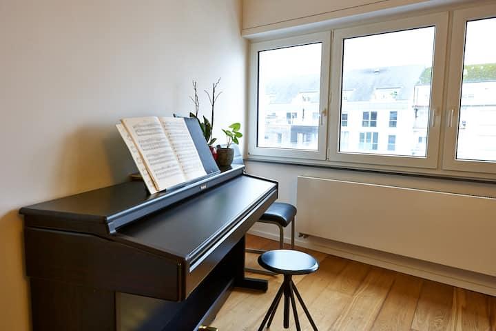 New&Furnished 2-bedroom 90m2-Center