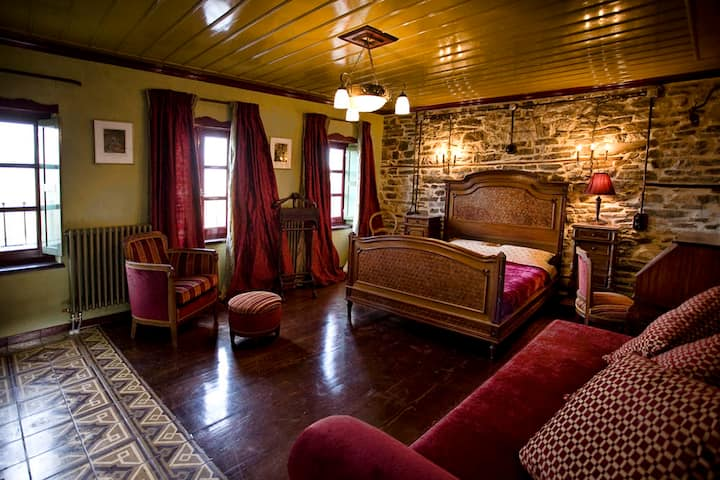 Cozy Suite in a unique B&B