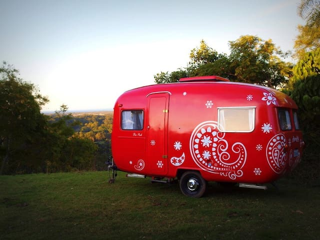 Gorgeous Vintage Caravan