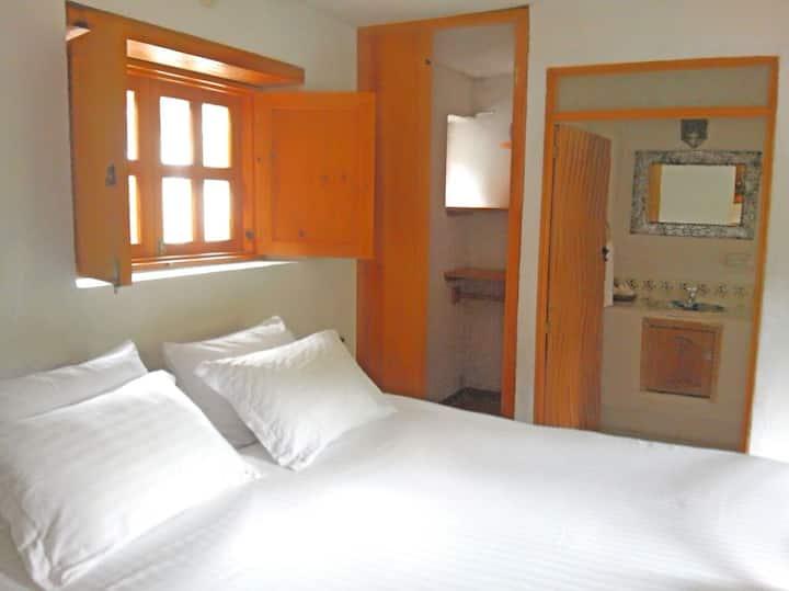 HOTEL LA CASONA B & W CENTER HABITACION ROMANCE