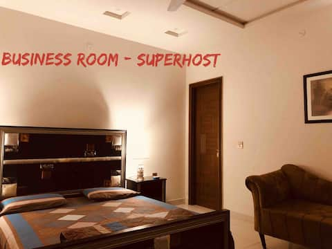 Fawn Lodge Business Room-Wifi, A/C & Heating