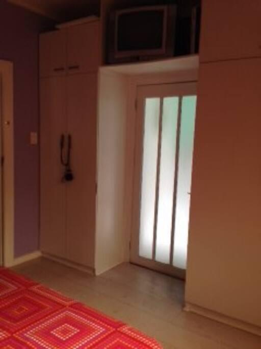 En suite entrance
