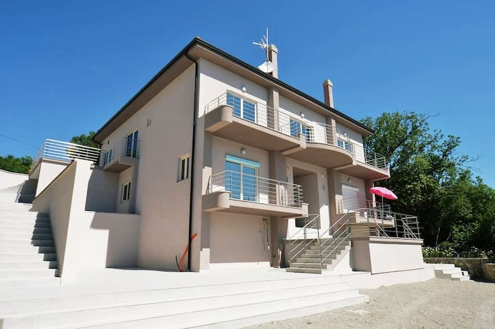 Villa Manuela( private room 2 )