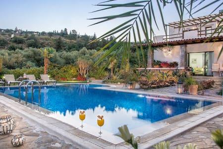 private luxury villa pool garden  panoramic view - Pemonia - Villa