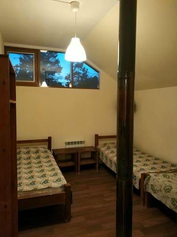 Спальня 3х местная