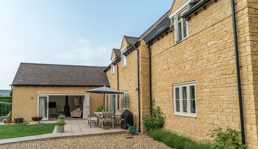 Cornwell House, modern living with Cotswolds charm