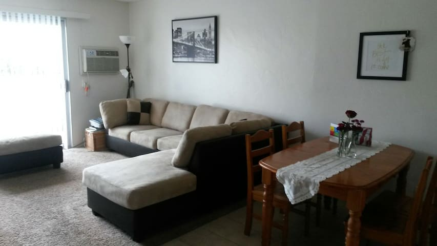 Lovely 1-bedroom apartment, central - San Diego - Pis