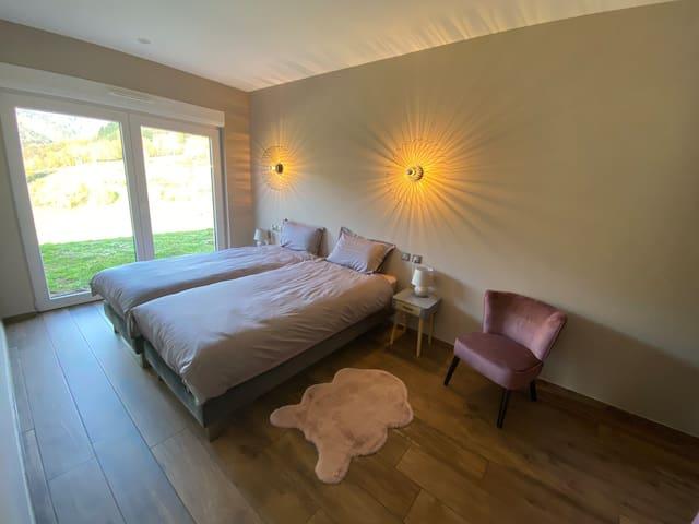 Chambre 2 avec 2 lits de 140