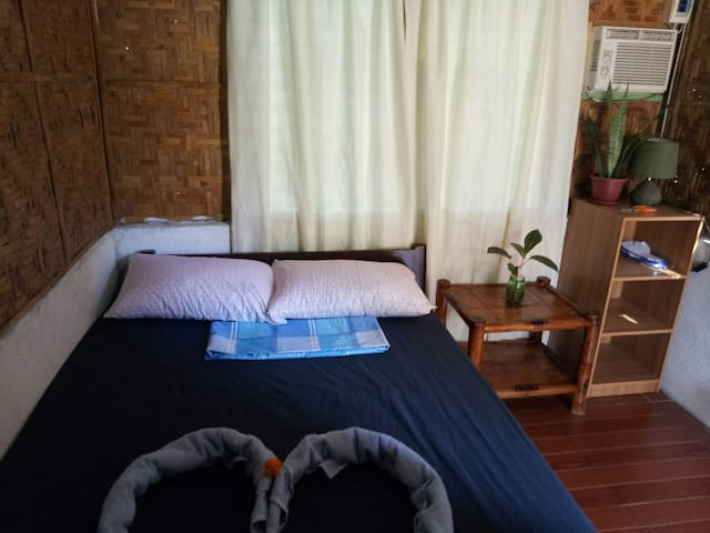 Bedroom 1 (airconditioned room w/ 1 bed (double size 54x75)