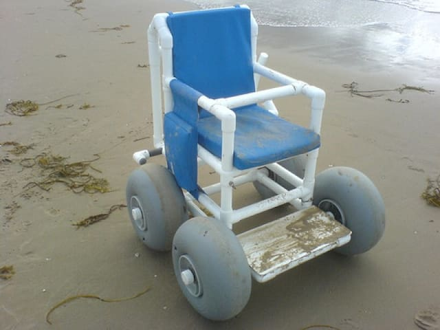 Our Cottage is WHEELCHAIR FRIENDLY incl. a roll-in shower. FREE BEACH Wheelchairs are available at pavilion 'Hotzone' (beach North pier) and at pavilion 'Zuidpier' (beach South pier). Pavilion 'Noordzee' offers  BEACH TAXI service in IJmuiden aan Zee