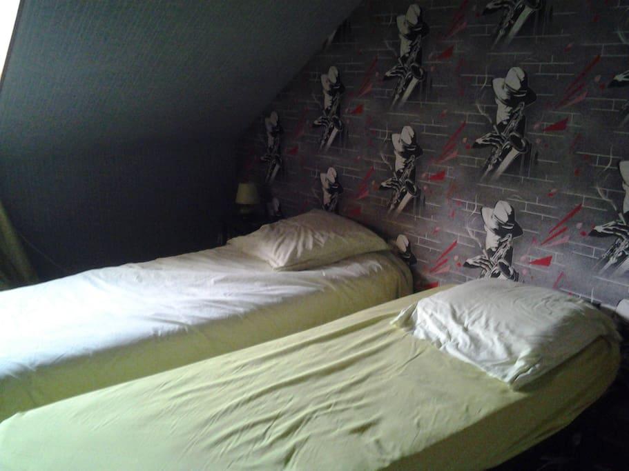 chambre 2 lits de 80