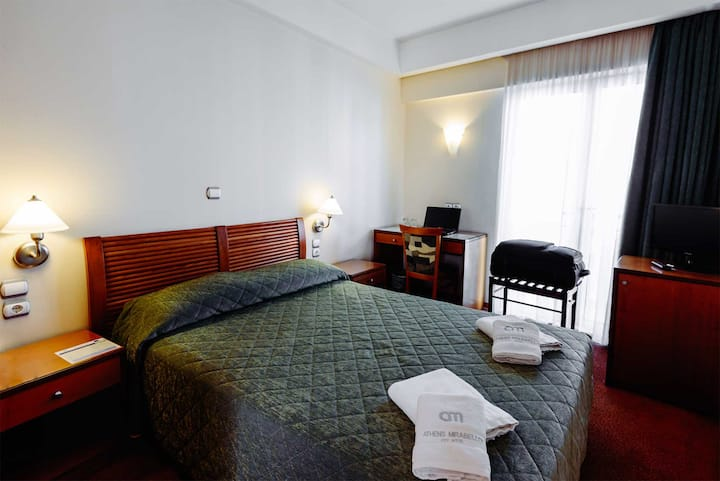 Single Hotel Room in the Heart of Athens