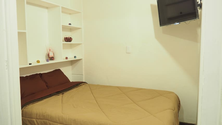 Cosy room near Reforma - Juárez - Huis