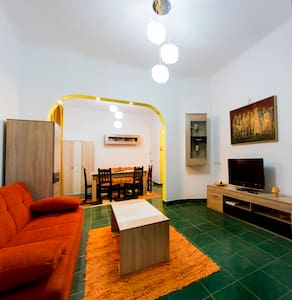 Central Charming Apartment - Bucarest