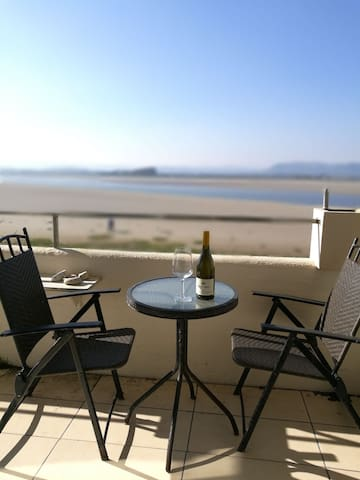 Cosy 1 bed apartment, stunning Morecambe Bay views - Sandside - Byt