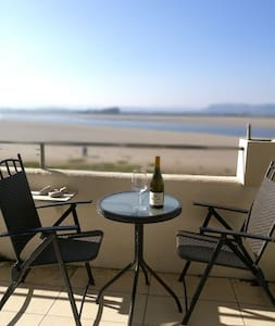 Cosy 1 bed apartment, stunning Morecambe Bay views - Sandside - Квартира