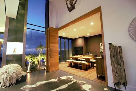 Beach Front Luxury Villa!
