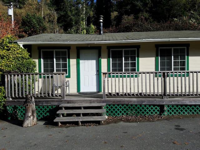 Woodland Villa Cabin 7