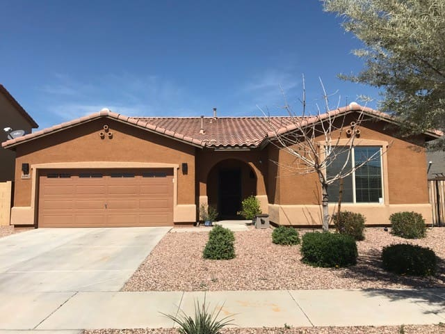 Cozy West Valley Home~ Shared with homeowners - Goodyear - House