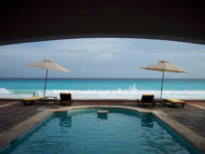 Beautifull Beach front house...