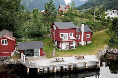 DREAM HOME BY THE NORWEGIAN FJORD//Boat // Jacuzzi