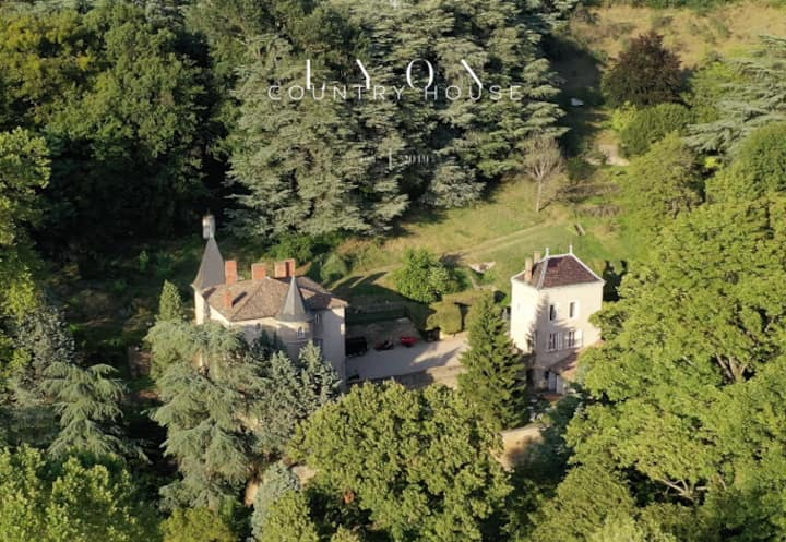 LYON COUNTRY HOUSE , YOUR OWN HOME IN PARADISE