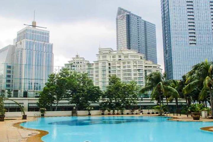 LARGE APARTMENT IN JAKARTA'S BEST LOCATION!!!