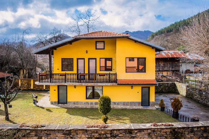 Traditional Style Villa Close To Troyan Monastery