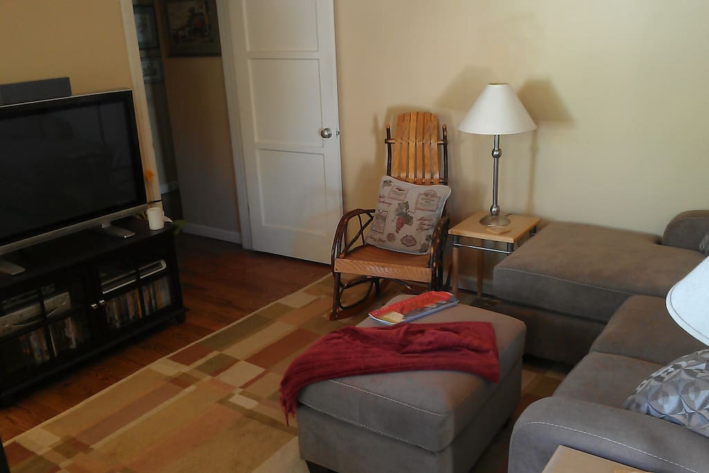 Amish bentwood rocker completes the comfortable living room.