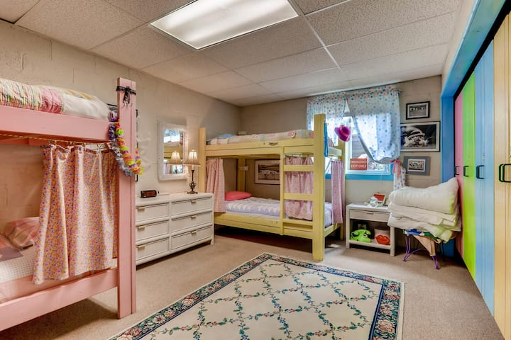 Single Bunk Bed in Female Dorm Room - Room # 8