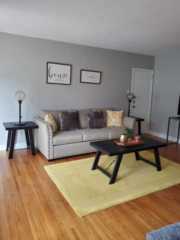 Philadelphia Modern Rentals (A)