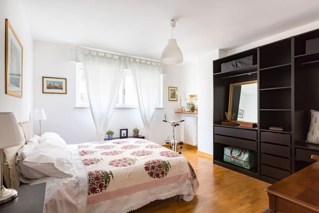 elsa sulla scala wohnungen zur miete in rom latium italien. Black Bedroom Furniture Sets. Home Design Ideas