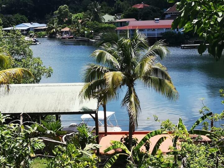 Villa GabouLi,  un havre de paix au bord de l'eau