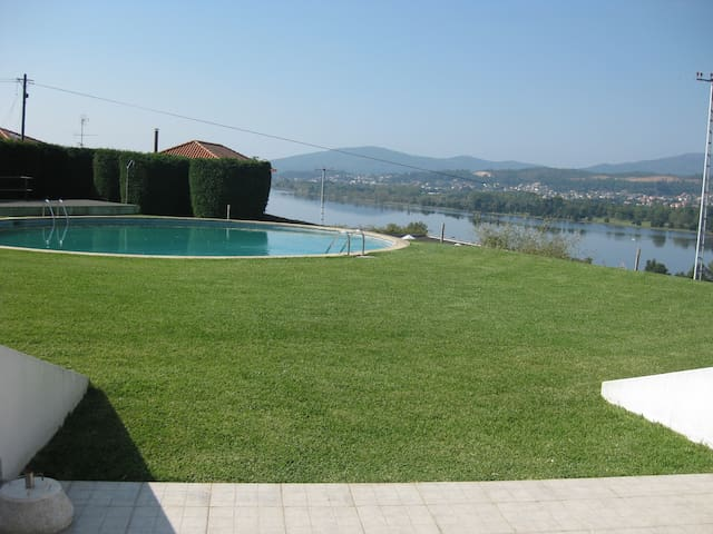 The Calm and the Beauty of Minho - Vila Nova de Cerveira - Casa