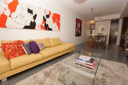 Designer Apartment, next to CBD  - Waterloo