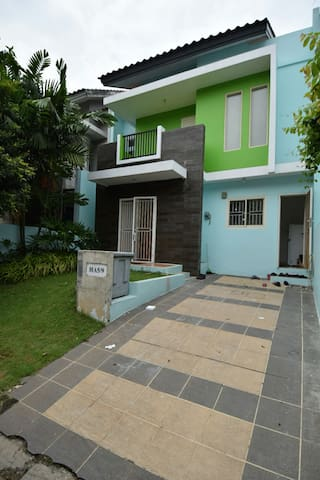 A warm homestay for entire family - Banten, ID - Hus