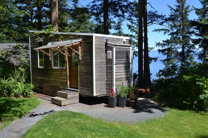 Tiny Home by the Sea - Quadra Island