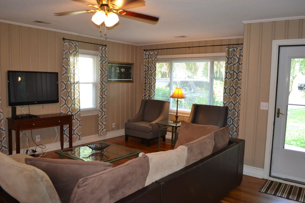 Spacious 3 Bedroom Southern Home Houses For Rent In Charleston South Carolina United States