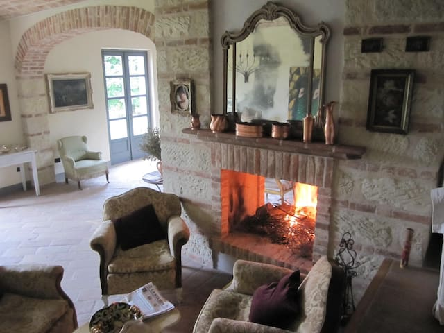 piano terra: living room