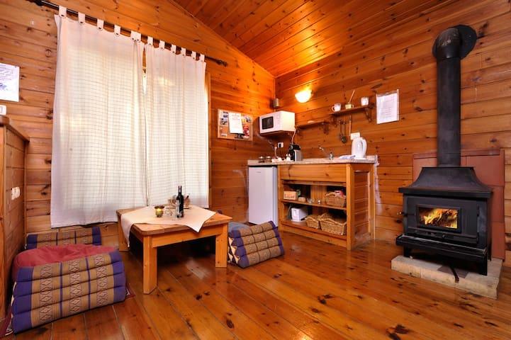 shangrila wooden cabin - Hila - Almhütte