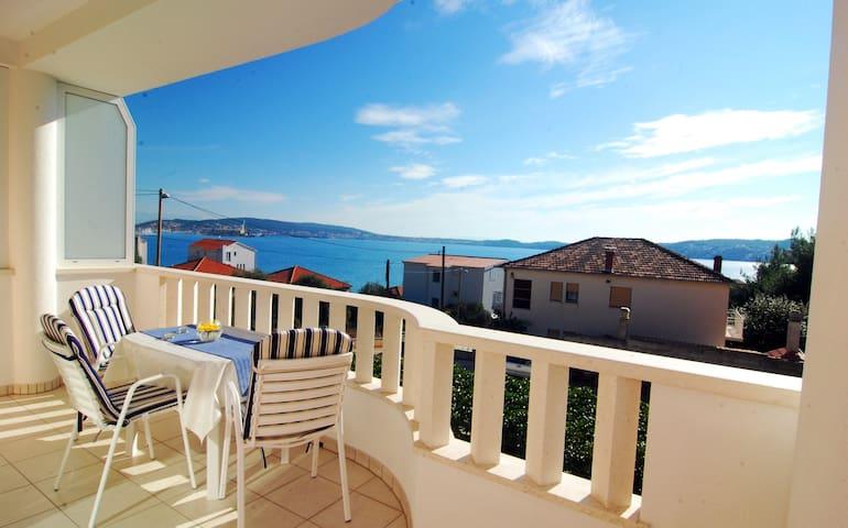 Apartment Barbara A6, near Trogir