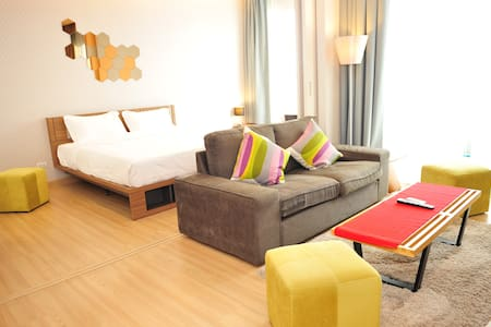 Sleeps 4, River+BTS, Heart of BKK! - Bangkok - Apartment