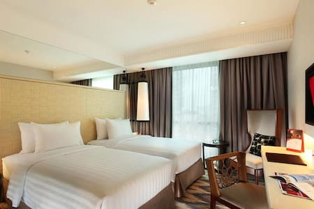 Comfortable and Luxury Two Single Deluxe Room