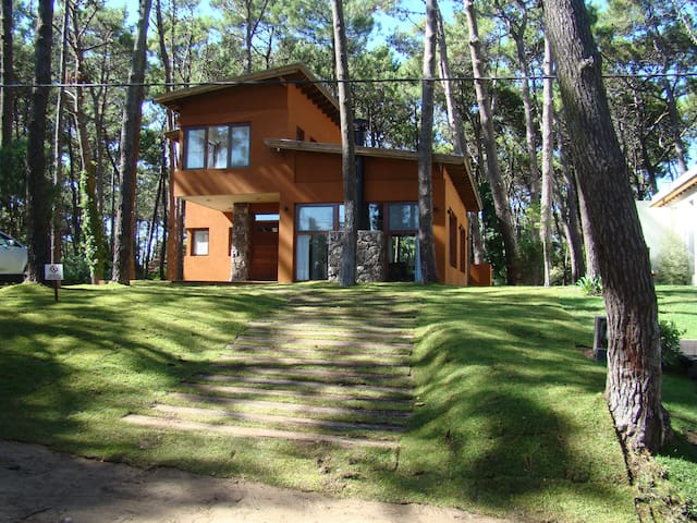 House in Pinamar: woods beach golf  - Pinamar - House