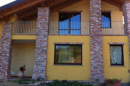 Monticello Village: Alloggio 3 - Villa-borgo