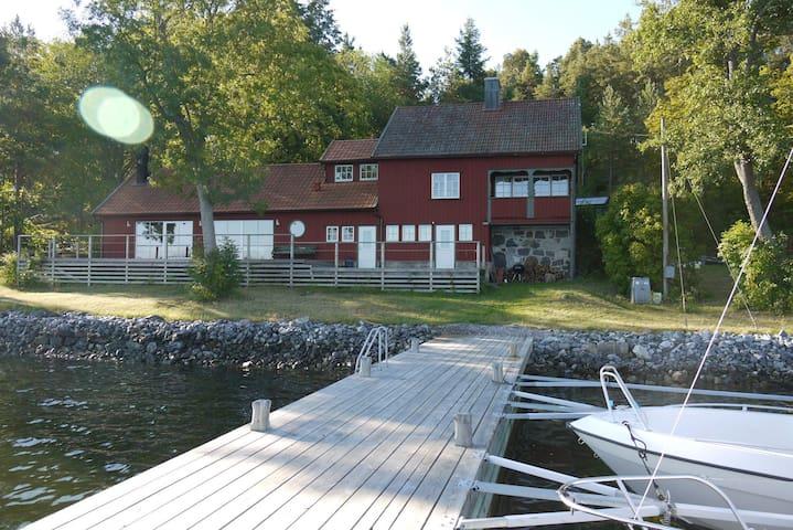 Boat house on Edlunda, Vaxholm. - Vaxholm - House