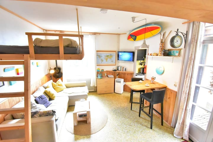 seaview bed in Biarritz & surfboards included