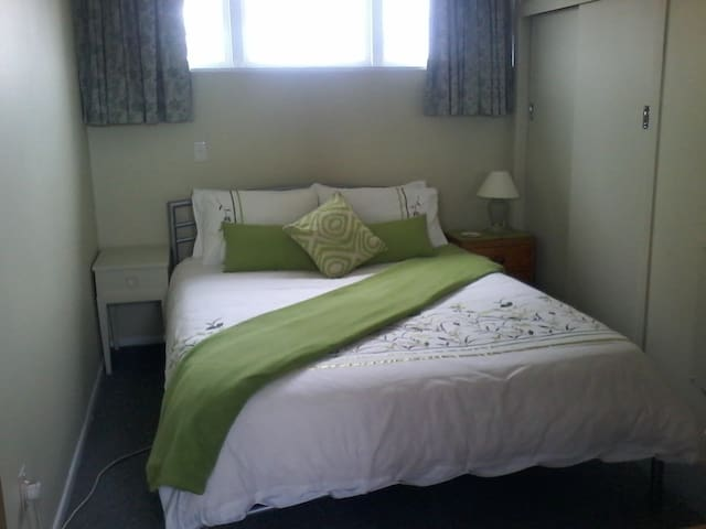Fresh vibrant  Room - Blenheim - Apartamento