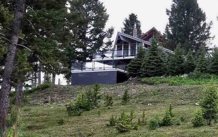 Montana Getaway Georgetown Lake Views on Hilltop