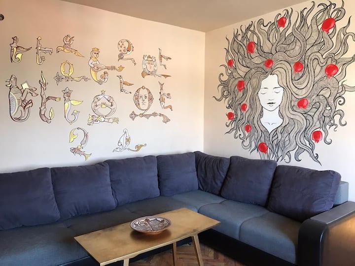 Authentic Art-apartment in city centre